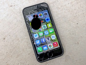 айфон разбит дисплей, Не работает экран